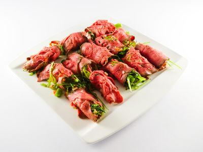 Roastbeef mit Salatfüllung - kaltes Gericht, Rezept