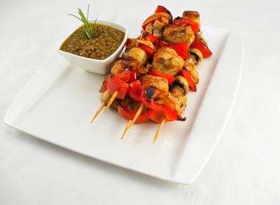 Hähnchenspieße mit Curry-Linsendip - warmes Gericht, Rezept