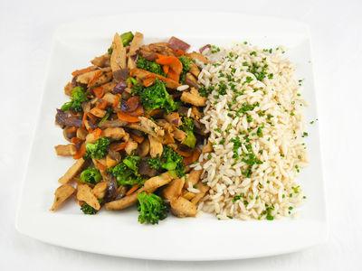 Wokgemüse mit Huhn - warmes Gericht, Rezept