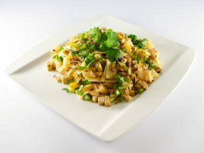 Bunte Nudeln mit Tofu - warmes Gericht, Rezept